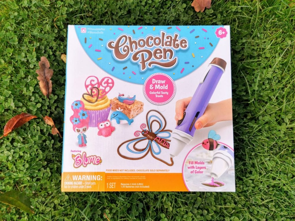 Chocolate pen for decorating cakes and making chocolate designs
