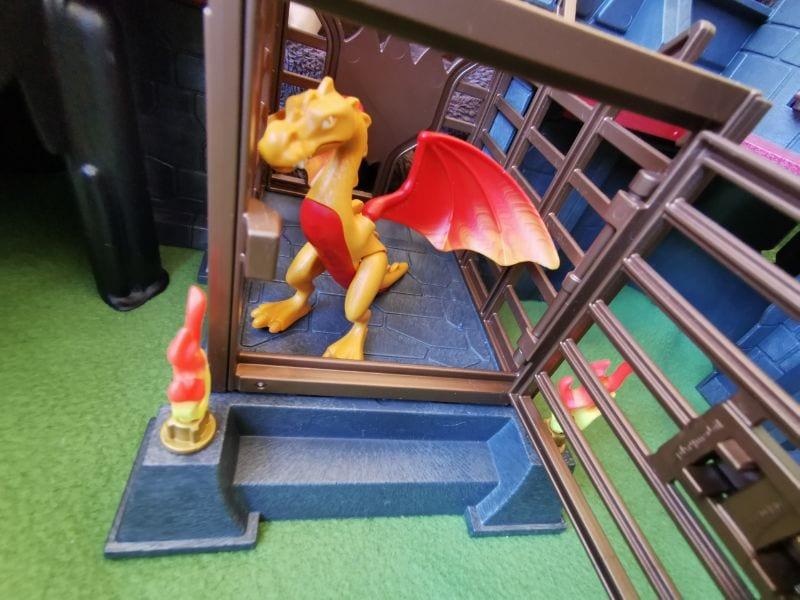 Playmobil Burnham Raiders Fortress: Dragon in open cage