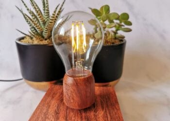 Floately Volta levitating floating light bulb lampo