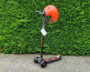 Maxi Micro Scooter Deluxe and Micro Helmet